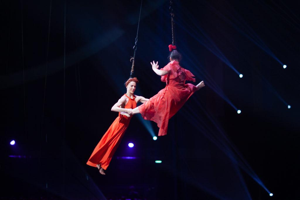 Festival Cirque Arobatie Vol tiré par les cheveuxEvènement Photo Tom Atome